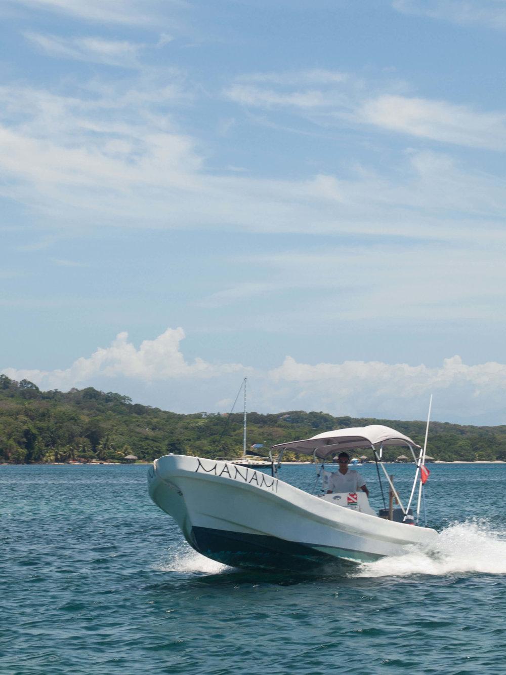 Manami boat Roatan Divers