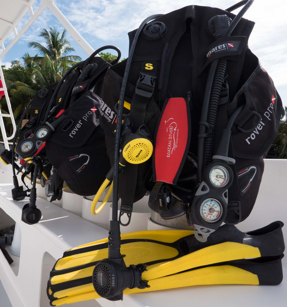 Roatan Divers best scuba equipment
