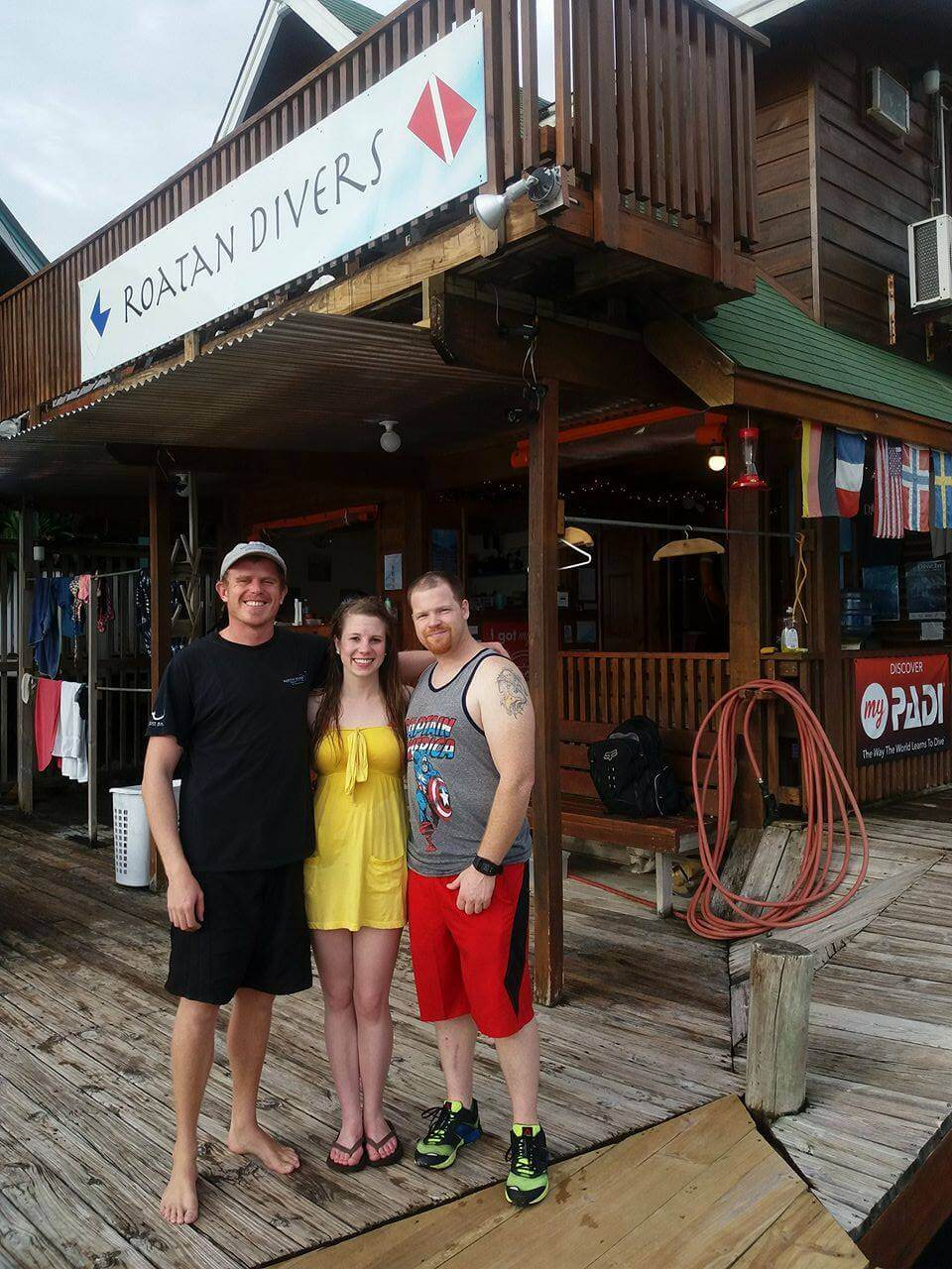 Jared and Jessica with their PADI Instructor Mitch