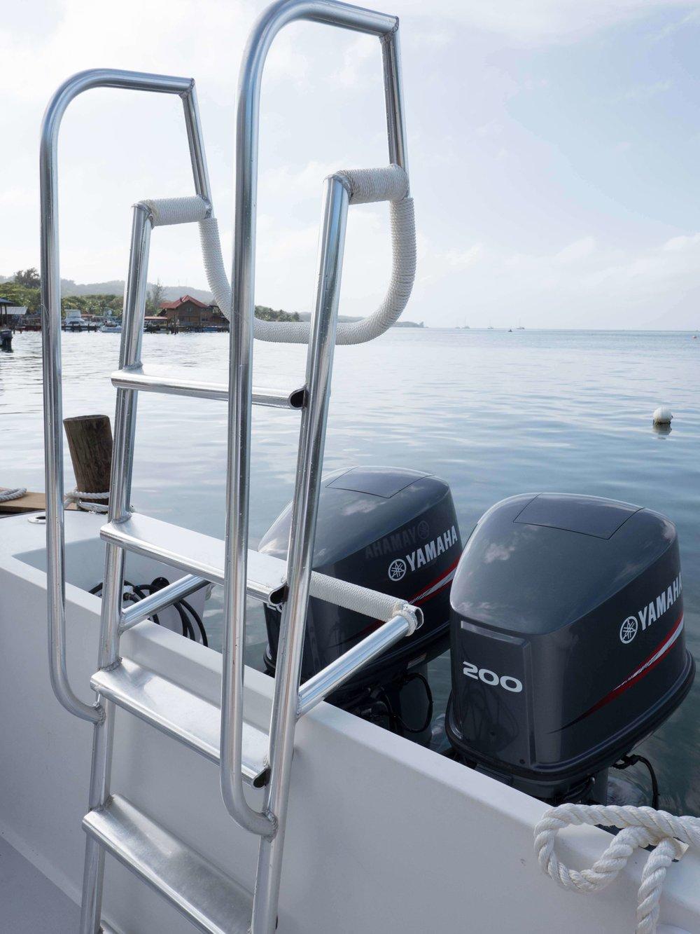Roatan Divers' boat, Saga