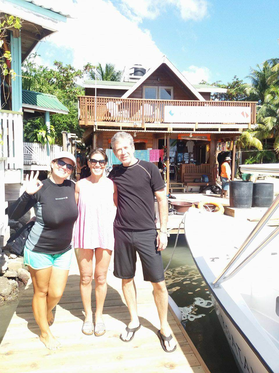 try scuba diving roatan
