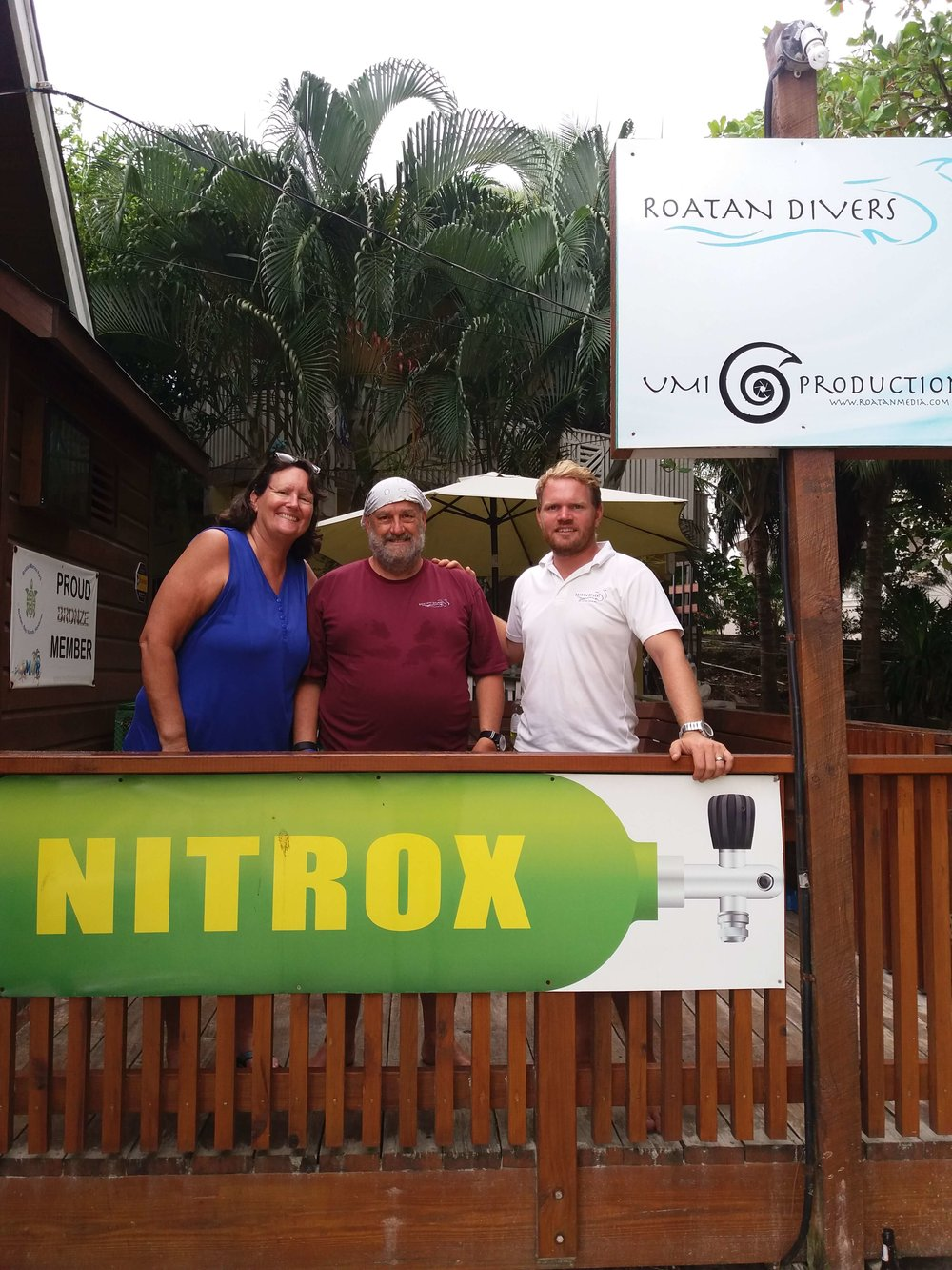 dive Roatan wrecks on Nitrox