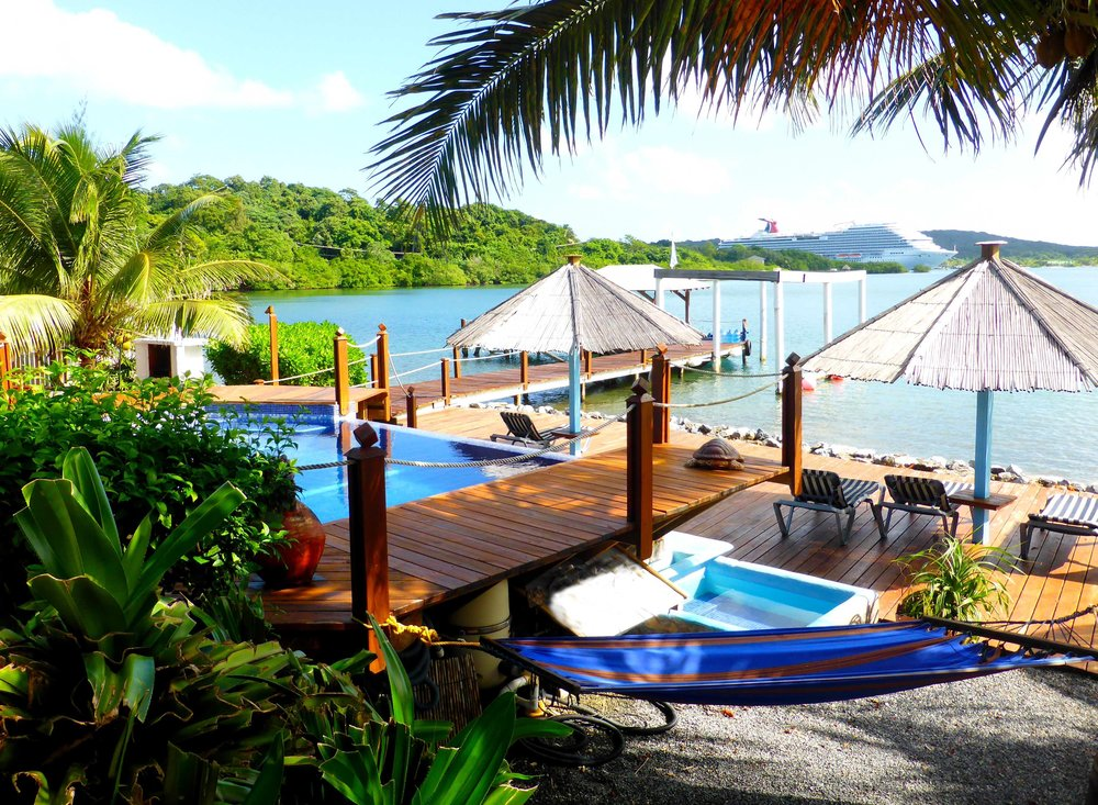 Tobri Divers Resort Roatan Divers