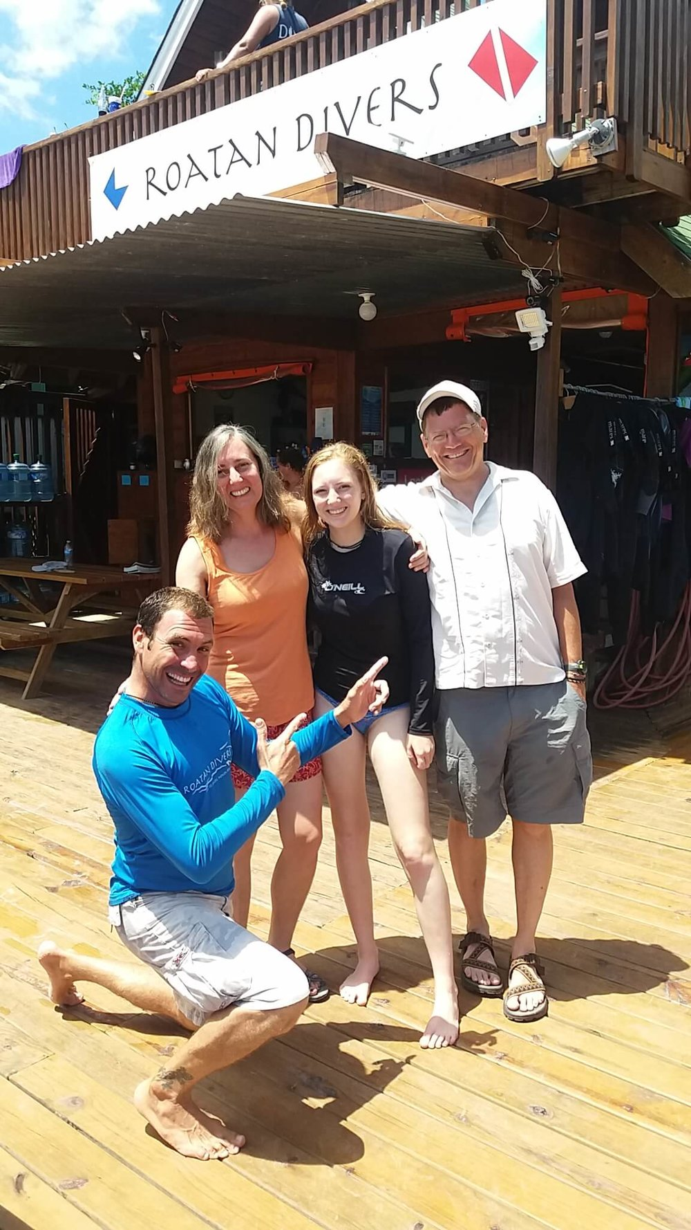PADI scuba certification Roatan Divers