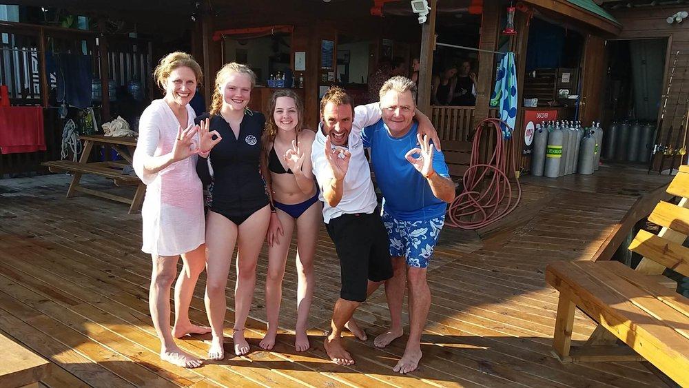 get PADI scuba certified Roatan Divers