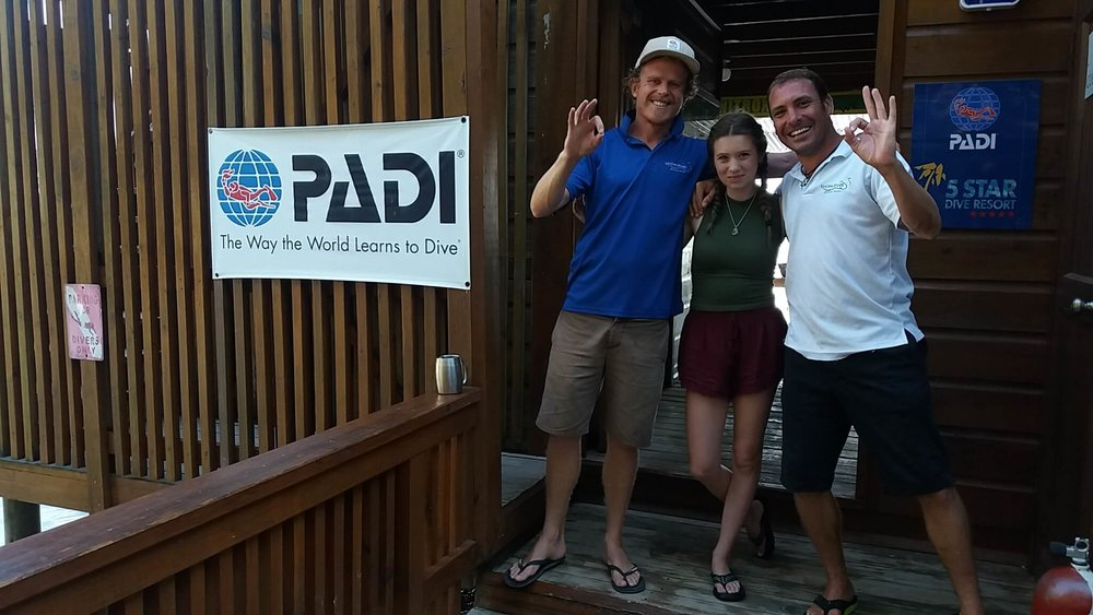 PADI Advanced Open Water course Roatan Divers