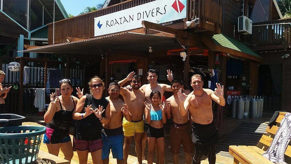 Discover scuba dive en espanol roatan guatemala