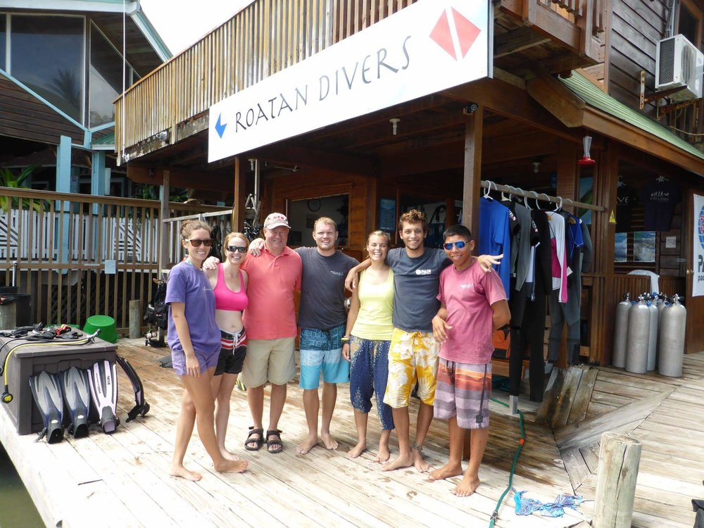 The Roatan Divers Team at the end of Season 1, September 2014