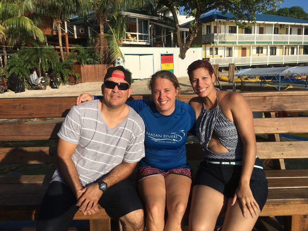 Mundi and Iliana tried scuba diving