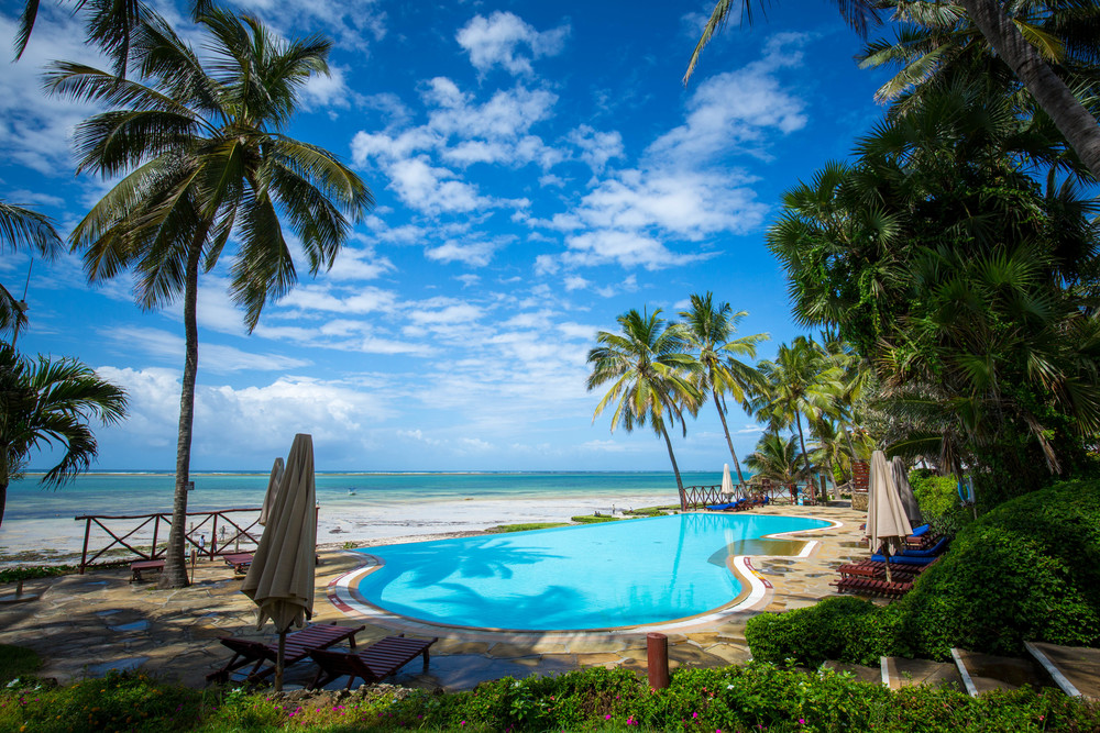relax-pool_3811436448_o.jpg