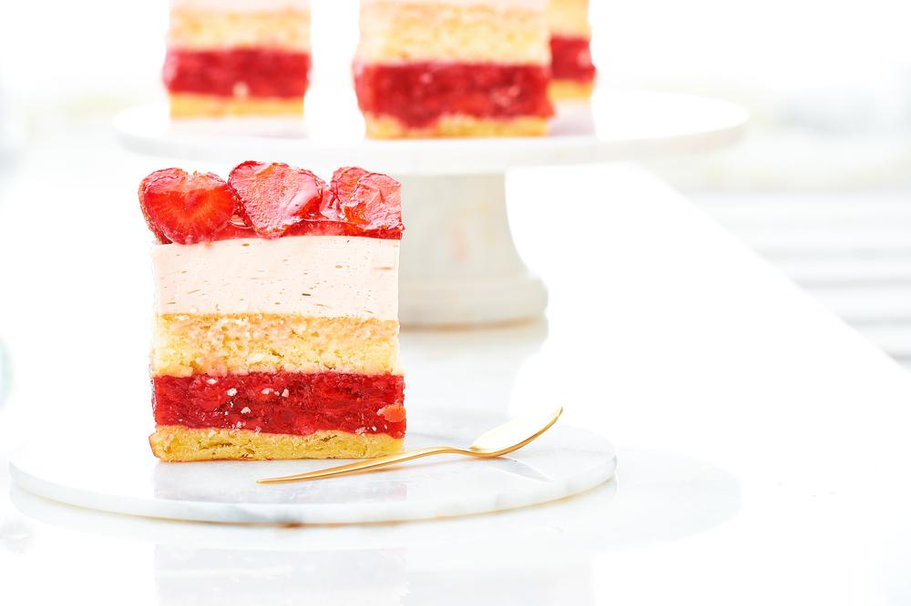 cake, strawberry, creamy, tasty, amazing, ciasto, truskawki, kremówka, masa, śmietankowe, jelly, dżem, mus, warstwa, pyszne, ORGAZMUM, Justyna Pankowska2.jpg