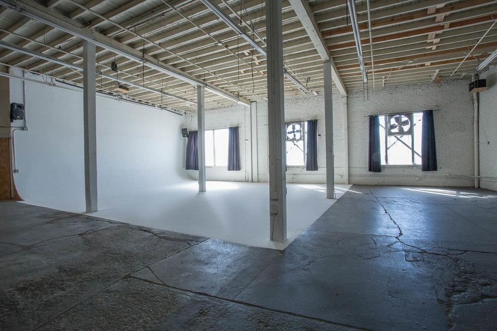 WarehouseLA-StudioB-ModernWarehouse-PRO-0143.jpg