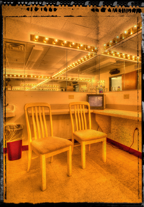 Dressing Room - Gilloz Theater