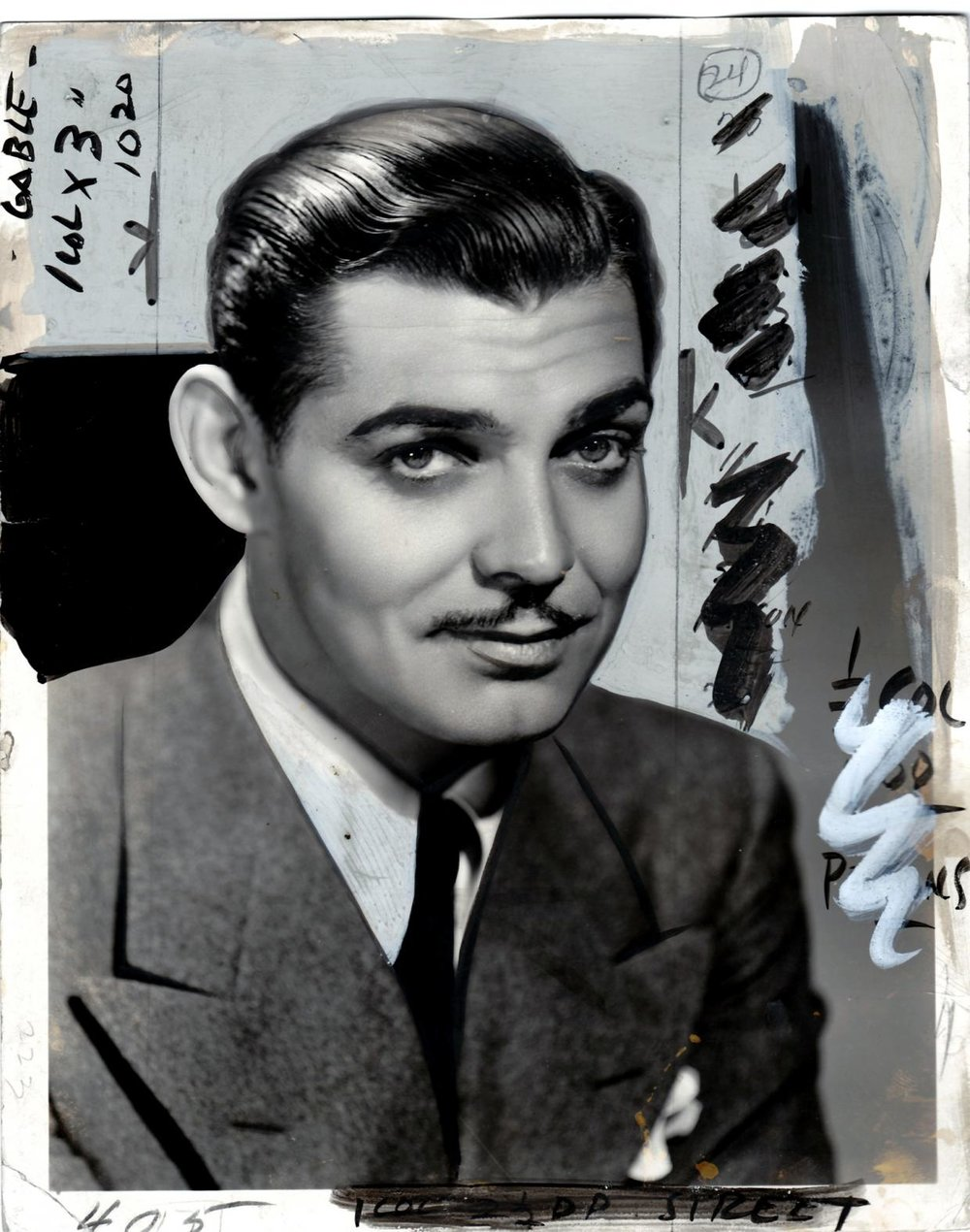'Airbrushed' Clark Gable 1932-33 from  La Fabrique Des Icone s, the Paris exhibition of hand-retouched Hollywood photos 1910-1970. April 2105, the Galerie Argentic. Source:  www.argentic-photo.com .