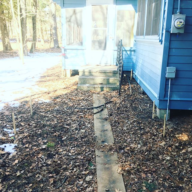A bit of an upgrade for this cottage in Onekama! #cumarudecking #cumaru #deck #construction #build #keepcraftalive #onekamamichigan @lucyamcgowan @advantagelumber