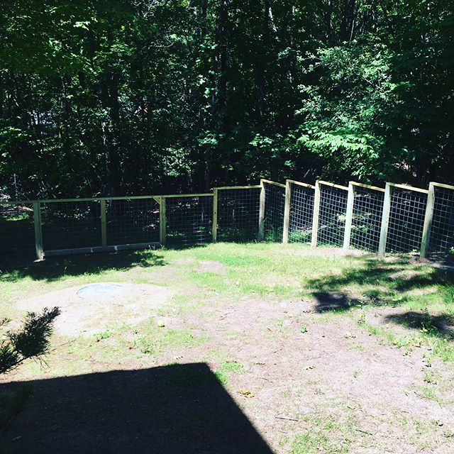Hog-wire fence project is complete. Just got out and installed the bolt lock for the main door from Snug Cottage Hardware. #fence #hogwirefence #boltlock #snugcottagehardware #keepcraftalive #frankfortmichigan