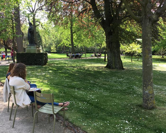 Aux Bulles Paris Parc du Luxembourg