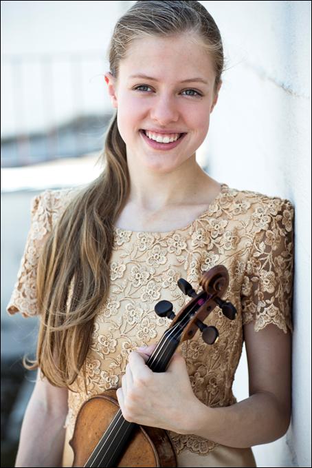Guest soloist Lara Boschkor