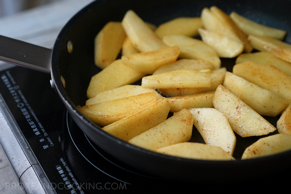 Broke and Cooking Skillet Cinnamon Apples 3