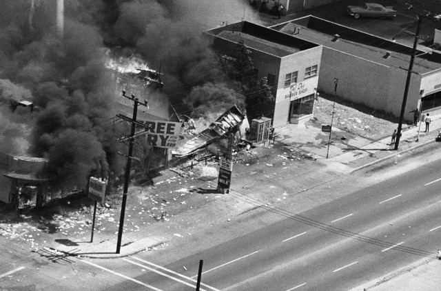 Three stores burn to the ground on Avalon Blvd.  Bettmann/CORBIS (1965)
