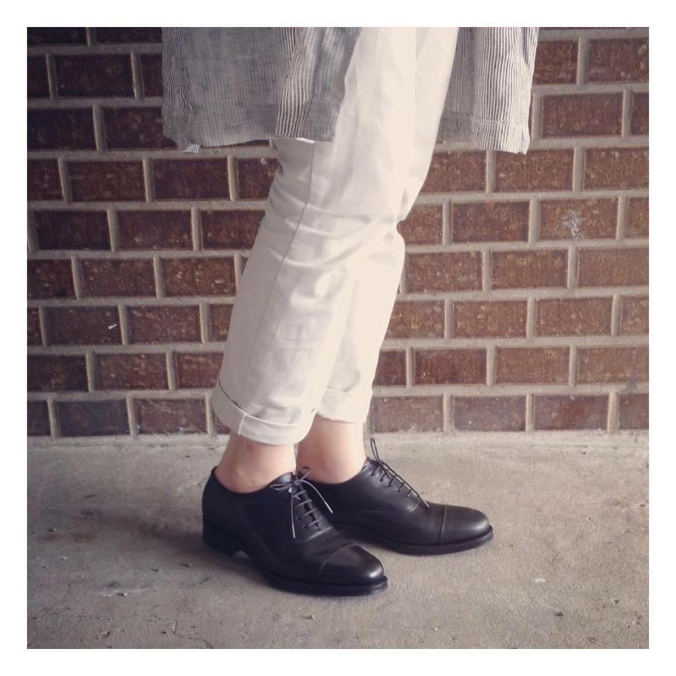 キャップ トゥ オックスフォード   ハンドソーンウェルテッド製法(十分仕立て)130,000円  ハーフラバー3,000円  シームレスバック  シングルウェルト  レザーソール  leather:ボックスカーフ黒  Ladies shoes