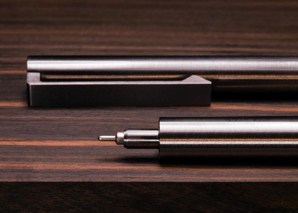 V2 - Titanium EDC Ink - Invisible Seam
