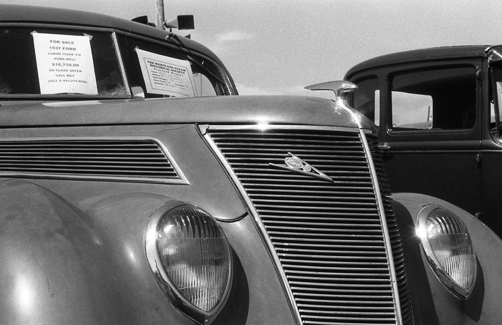 antique_car_2.jpg
