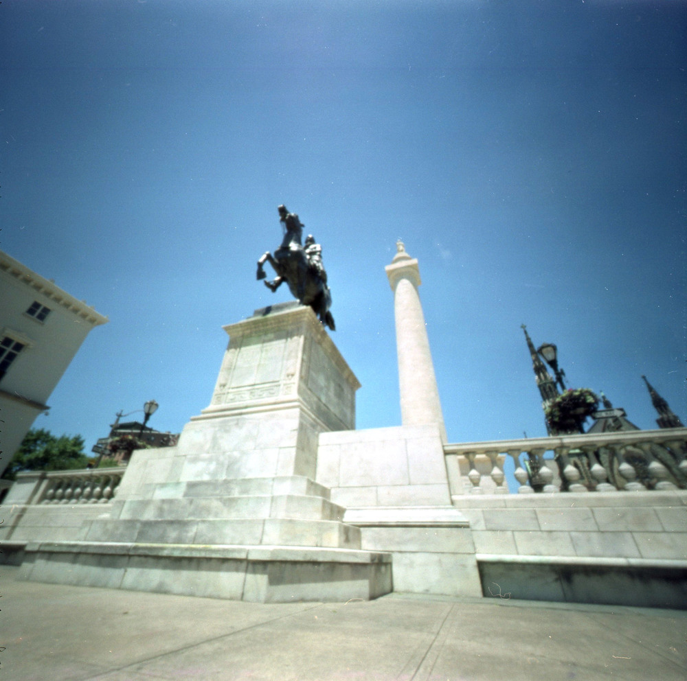 lafayette_monument.jpg