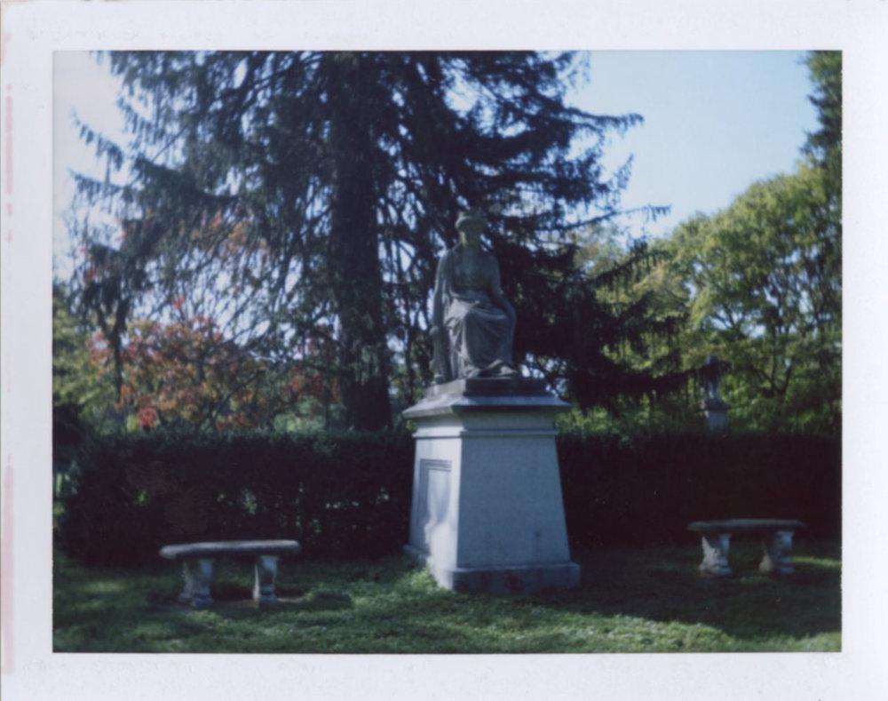 garden_statue.jpg