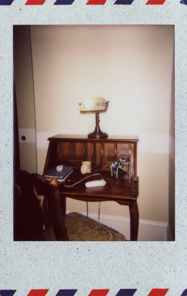 jim_thorpe_inn_desk.jpg