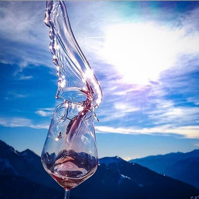 Rosé all day ❤️🍷 #okanagan #winery #winefacts #viticulture #rockymountains #rosé #wine #wineoclock #wineo #sunny #views