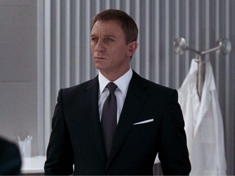 007-James-Bond-Suit-Charcoal-Black-Suit-Quantum.jpg