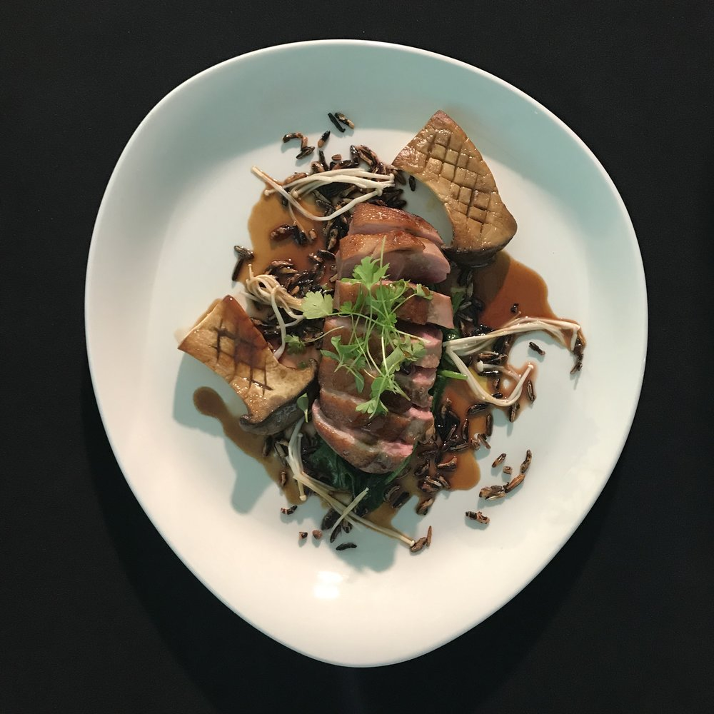 Duck breast, mushrooms & red wine sauce