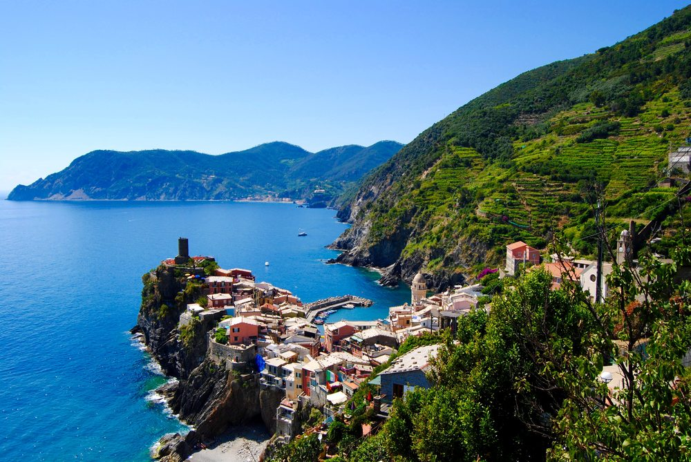 Cinque Terra - The view of Vernazza