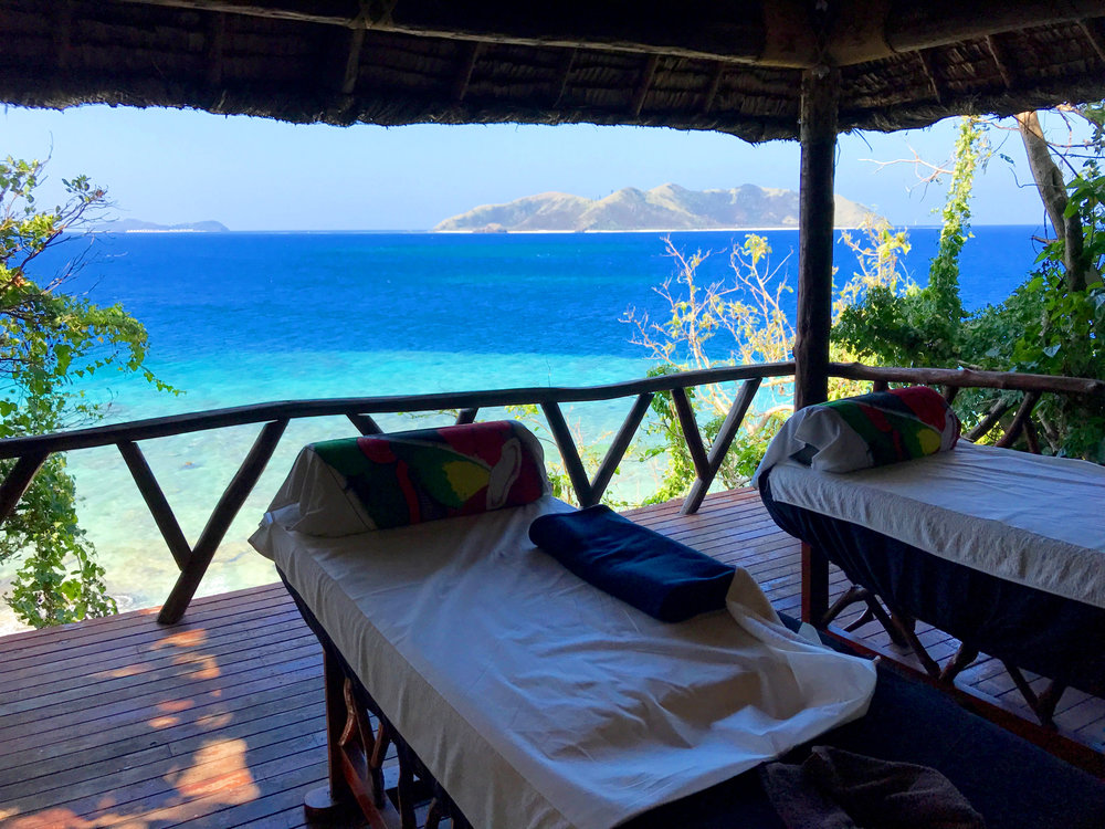 20 photos to convince you to travel to fiji - massage