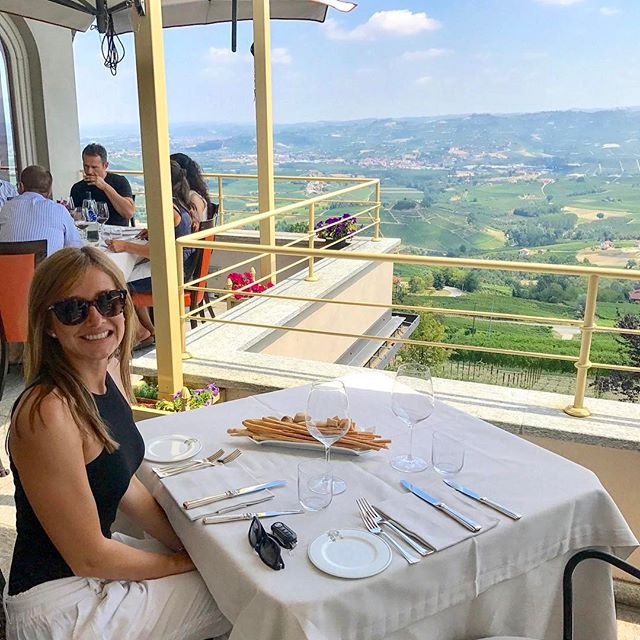 Alana before devouring an amazing lunch at Ristorante Bovio in La Morra 🇮🇹🇮🇹. Food and view was 👌👌👌👌👌