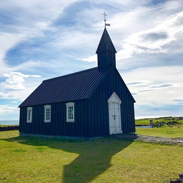Beautiful black church in the Snaefellsnes Peninsula in Iceland 🇮🇸