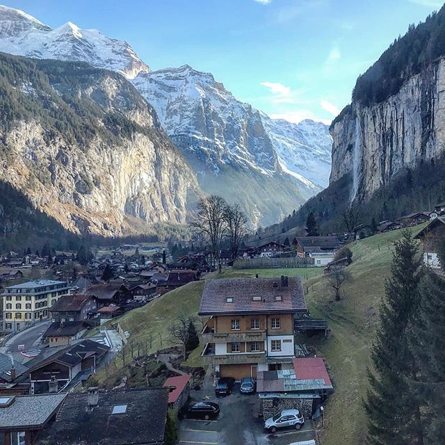 A stunning winter days in #lauterbrunnen 🇨🇭🍺🍫 . . . . #switzerland #alps #exploreswizterland #living_travel #swizz #waterfall #interlarken #murren #outdoorlife #visitswitzerland #funicular #adventure #scenery #landscape #travel #travelgram #roadtrip #wonderlust #iphoneography #wonderful_places #instafollow #igtravel #livetravelchannel #lonelyplanet #licencedtotravel