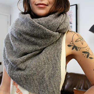 Sarah 's Yoga shawl makes me want one in gray!