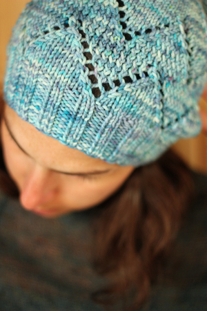 58178d0726153d Tanis and I have teamed up to create a super fun knit kit as a giveaway!  She is generously offering a skein of her PureWash Worsted in the Stratus  colorway ...