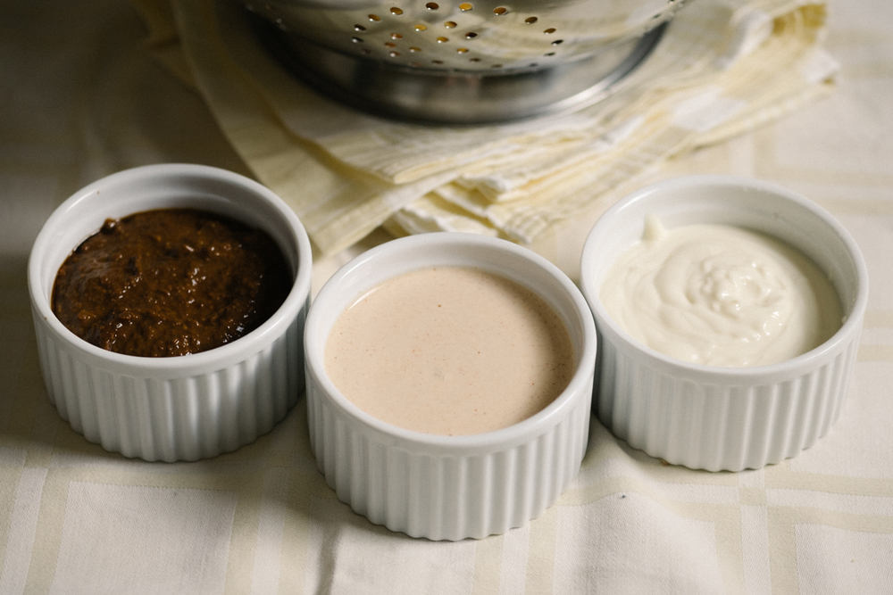 From left to right: satay sauce, andalouse sauce and good ol' mayo.