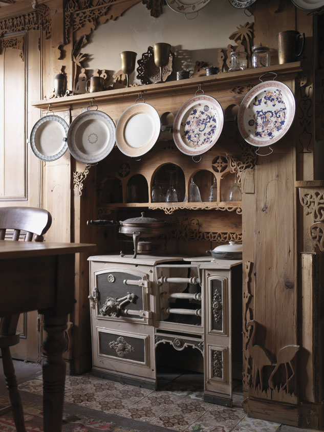 kitchen-shot-of-575-Wandsworth-road-national-trust.jpg