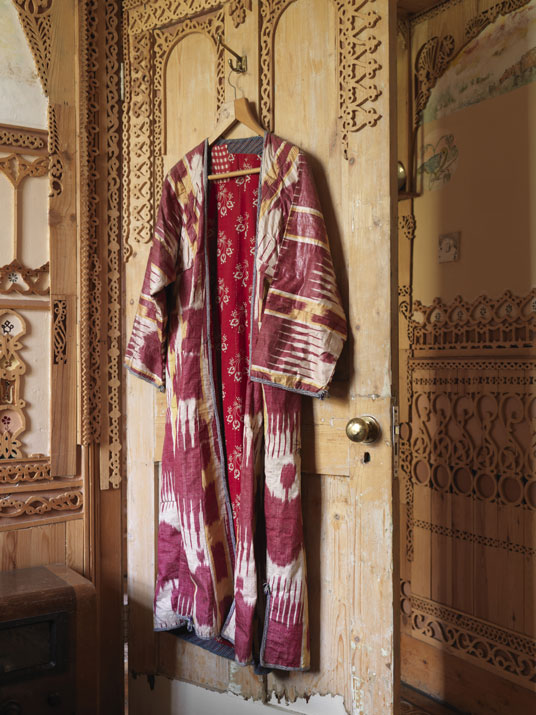 African-dress-in-575-wandsworth-road-national-trust.jpg