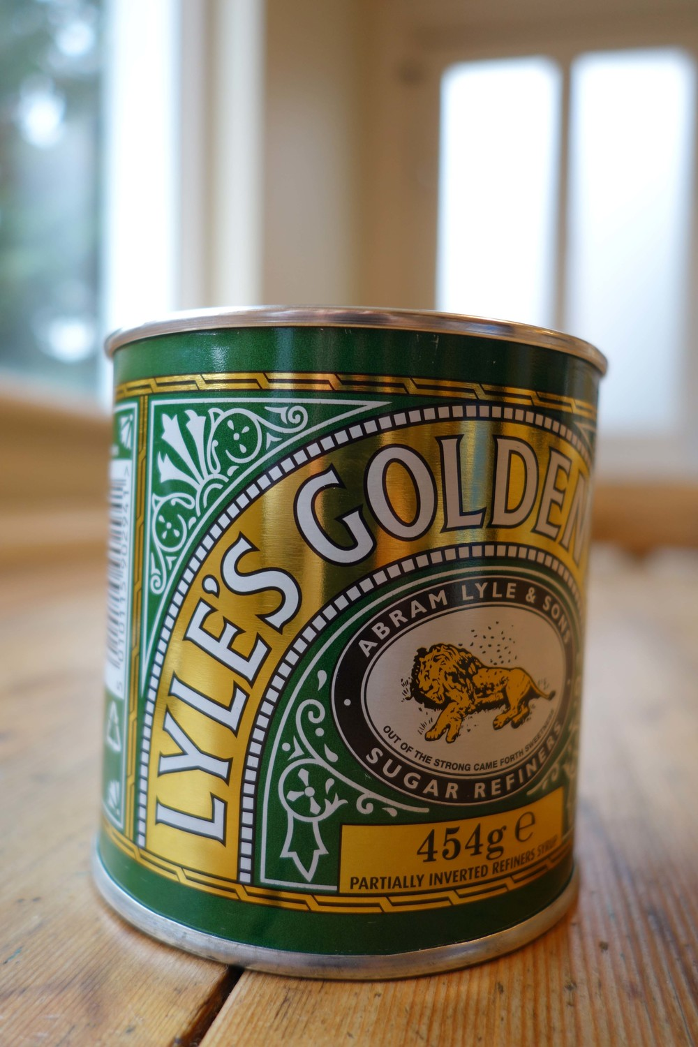 Lyle's Golden syrup tin