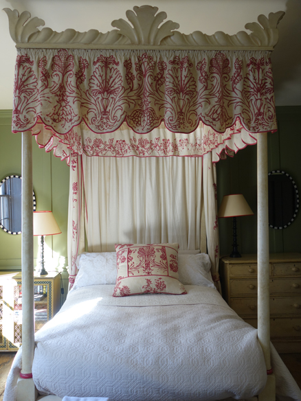Four poster bed at Townhouse Spitalfields
