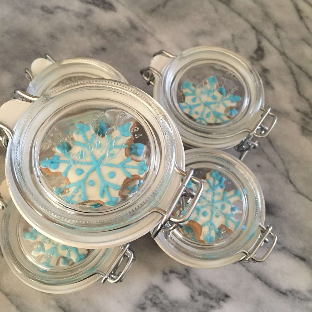 snowflake cookies jar top.jpg