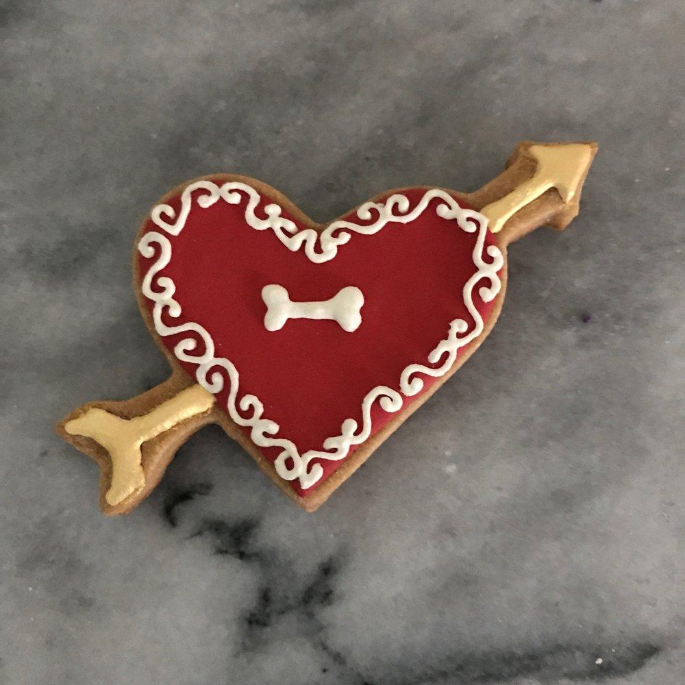 Heart w:arrow.jpg