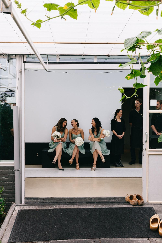 Urban-green-greenhouse-wedding-Ilina-and-james-restaurant-De-Kas-Amsterdam-by-On-a-hazy-morning-43.jpg