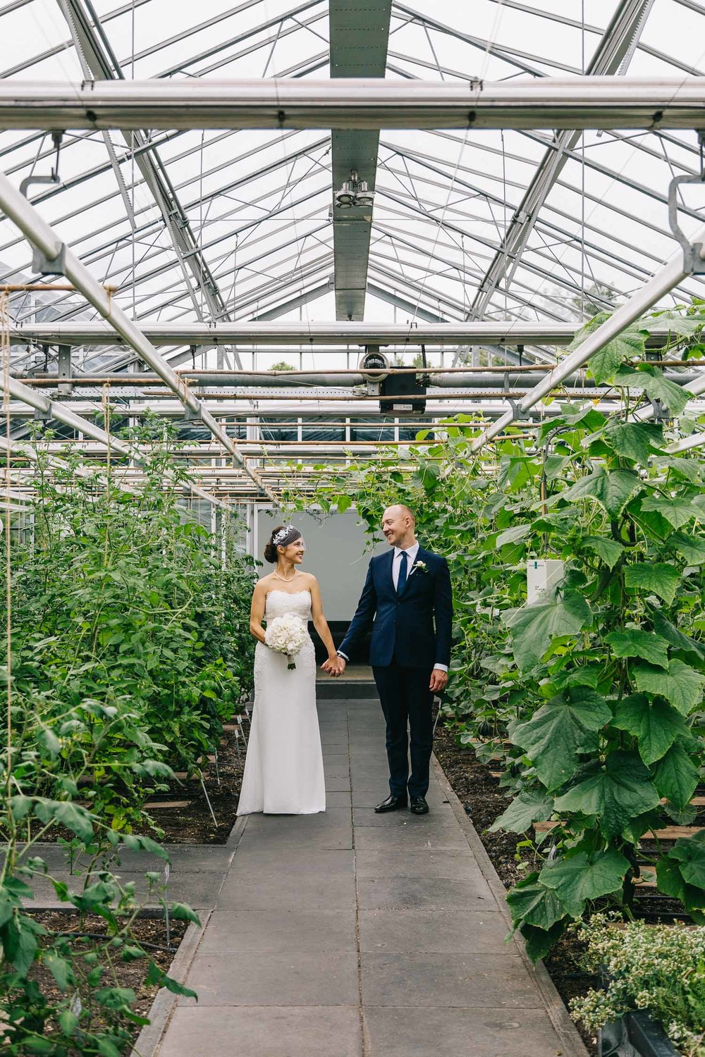 Urban-green-greenhouse-wedding-Ilina-and-james-restaurant-De-Kas-Amsterdam-by-On-a-hazy-morning-81.jpg