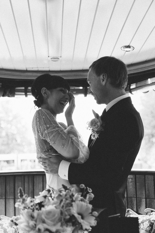 Wedding-James-and-Tiffany-photography-On-a-hazy-morning-Amsterdam-286.jpg